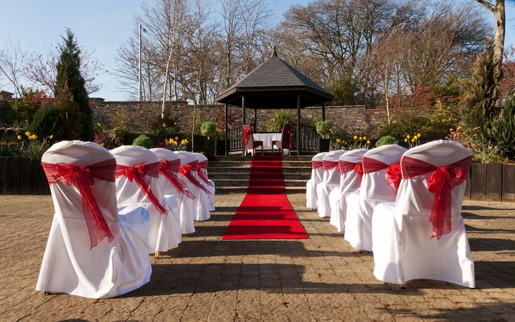 Outside Weddings at the Amber Springs Hotel.