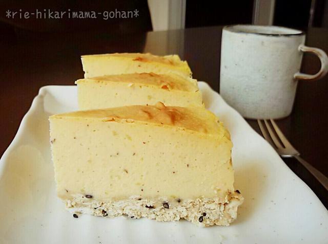 スイートポテト+チーズケーキ(*´`) ボトムはいつものバター無しボトムにゴマin♡