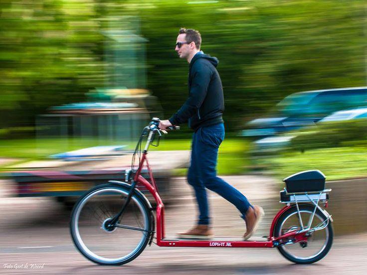 Hacer footing y montar en bicicleta simultáneamente? Ya es posible gracias a ésta bici con cinta transportadora que sustituye los típicos pedales.