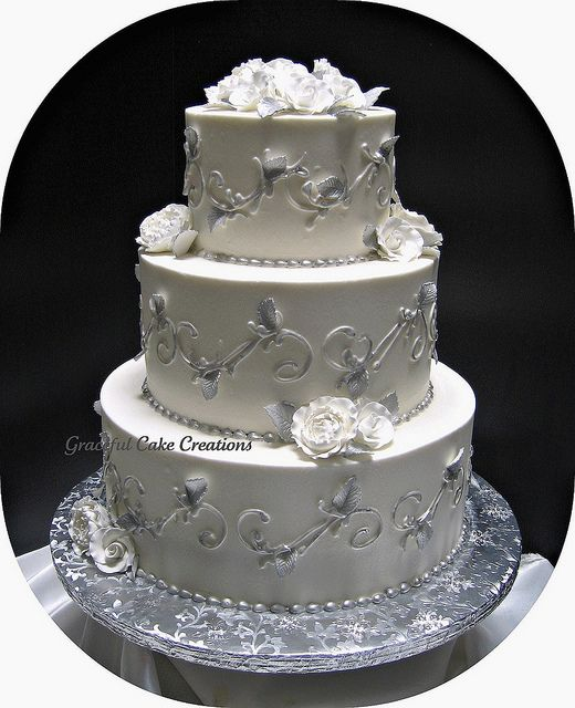 white and silver square wedding cakes 25 best ideas about silver wedding cakes on 27225
