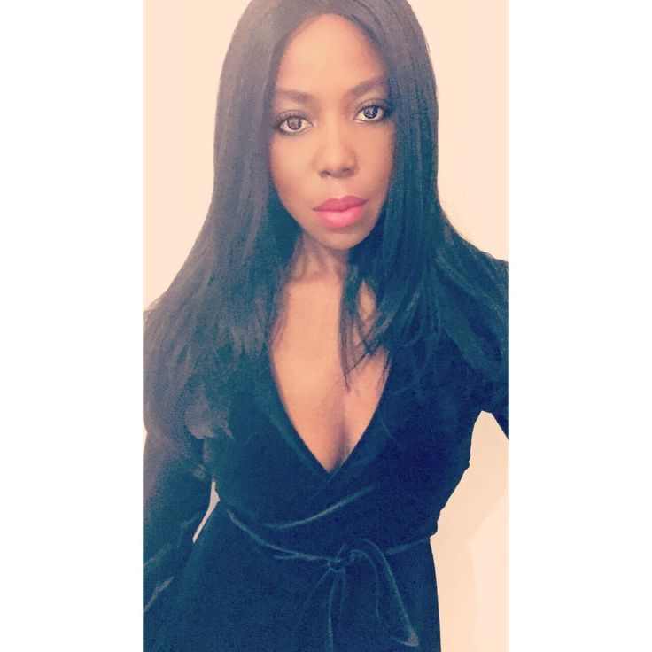 Little black dress - Huda Beauty Faux Filter Foundation.  Maquillage, make up, robe noire, huda beauty, zara dress, robe zara