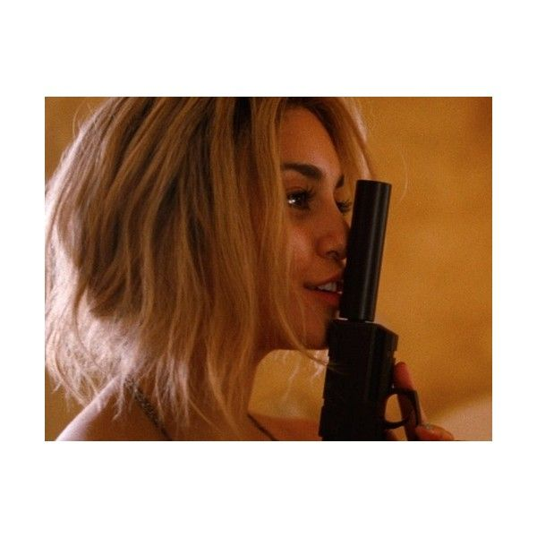 candy vanessa hudgens spring breakers ❤ liked on Polyvore featuring pictures, photos, backgrounds, vanessa hudgens and weapons