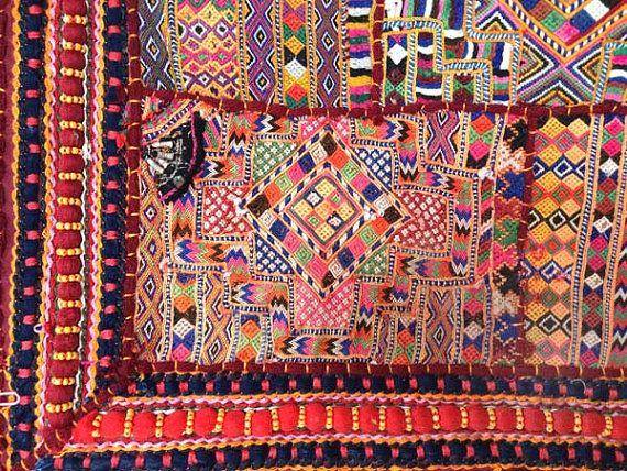 Stammes-Webarten  Stammes-Sari Stoff Wandbehang / von FabricAndArt