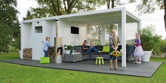 Prachtig tuinhuis met aangeschakelde veranda. Ideaal om deze herfst/winter ook nog van de tuin te genieten!