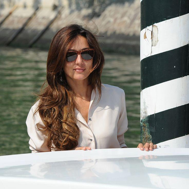 Ambra, bella come non mai: capelli lunghi e look casual chic. Le foto dell'attrice al Lido!