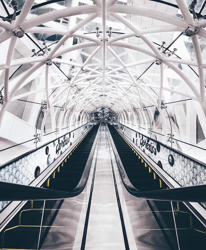 Symmetrical Monsters Cultura Inquieta17-  http://culturainquieta.com/es/foto/item/8741-hipnoticos-momentos-de-simetria-en-el-dia-a-dia.html
