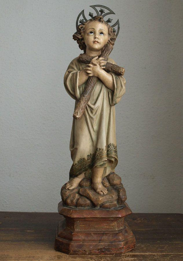 Etsy のChild Jesus Carrying the Cross Glass Eye Religious Statue Spain Antique Figurine /579(ショップ名:GliciniaANTIC)