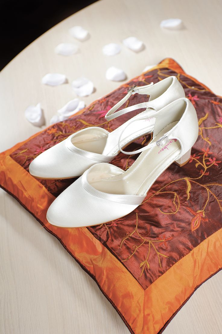 Anika #trouwschoenen #bruidsschoenen #wedding shoes