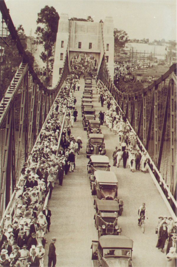 Walter Taylor Bridge, Brisbane; opening ceremony. From the private collection of Walter Tayler. Image curtesy of Rev. Dr. Noel Davis.