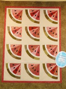 summer quilt- how easy is this- use grandmothers fan quilt but cut blades all the way to the center! Gotta do this for a picnic quilt!!