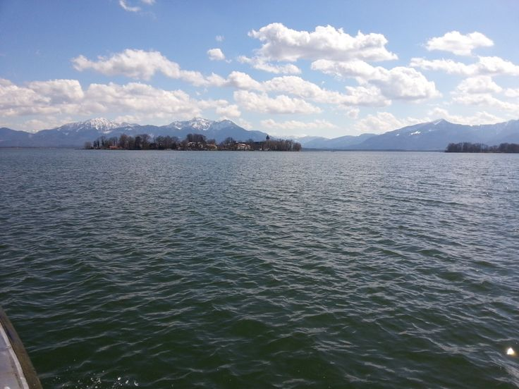 Fraueninsel im Chiemsee. Chiemgauer Alpen.