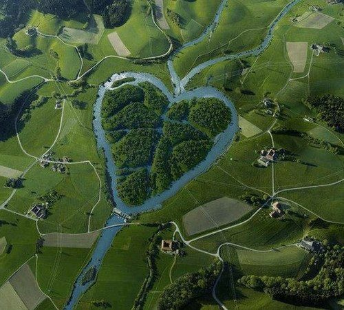 Heart Of USA    The Heart River is a tributary of the Missouri River, approximately 180 mi (290 km) long, in western North Dakota in the United States.