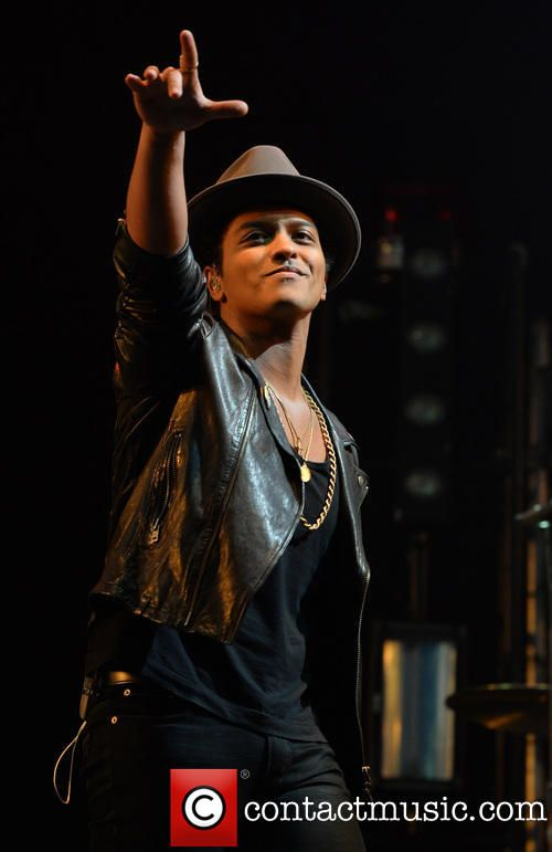 How Will Bruno Mars Fare At The Superbowl? 5 Of The Best (And Worst) Half-Time Shows - CONTACTMUSIC #Bruno, #SuperBowl