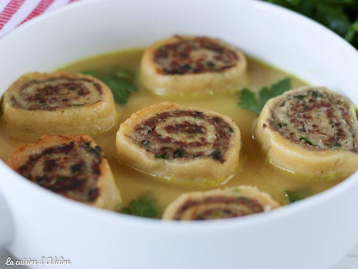 Les fleischnaka : de escargots de pâte farcis à la viande hachée. Une recette Alsacienne facile et rapide que vous allez adorer.