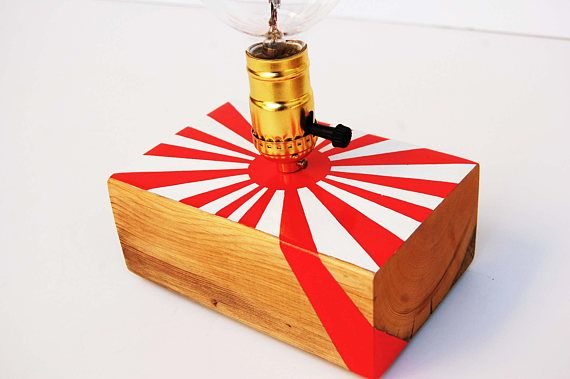 Japan_Unique handcrafted table lamp from reclaimed wooden