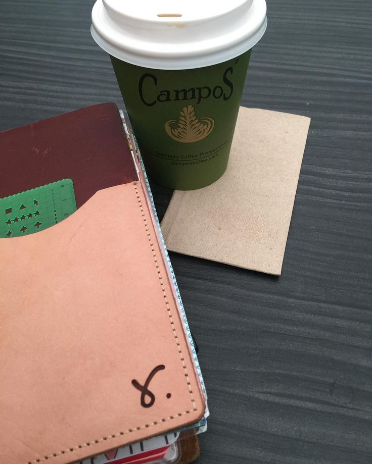Tuesday morning come at me! A one off for me, quiet time kid free with a chai latte. Starting to gear up for Christmas shopping and planning. And toying with the idea of December daily in my journal hoping to actually finish! Lol #myworld #sojourner #b6slim #quietstolenmoments #planner