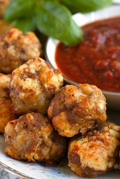Italian Sausage Crescent Cheese Balls from thetwobiteclub.com is an easy to make appetizer recipe that is perfect for Thanksgiving or a Christmas party!