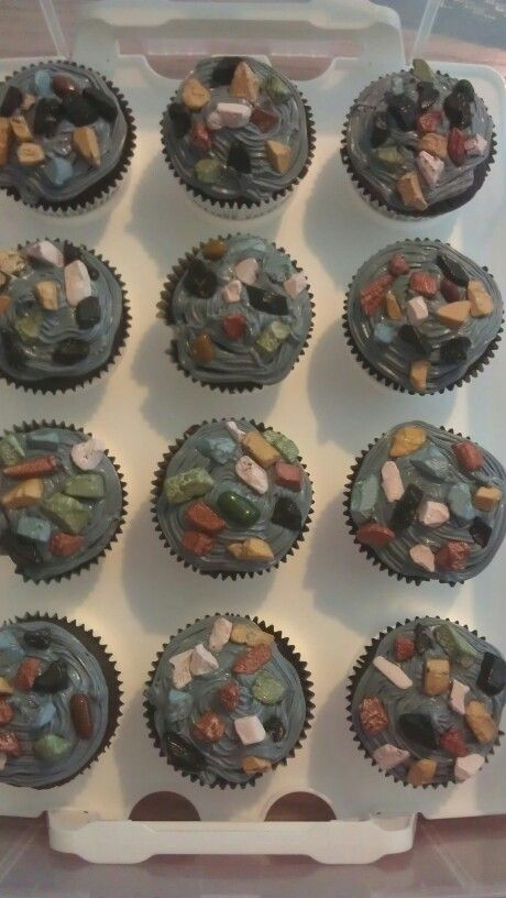 Rock climbing party cupcakes. Grey icing and chocolate rocks!!!!