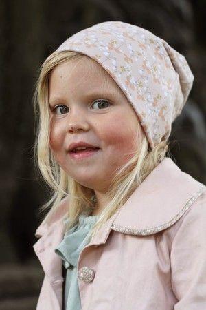 Childrens fabric and fabrics, Sewing, sy, sytt, nähen, liandlo, kinderstoffe, stoff, kangas, tyg, tyger, Fabric for children, sewing, linnea, flower, flowers, blommor