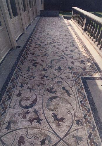 Pi di 25 fantastiche idee su mosaico di marmo su - Incollare piastrelle su pavimento esistente ...
