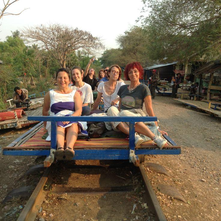 """Battambang......pronte per partire con il treno in bambù .......ancora due anni e sarà sostituito dal """"freccia rossa""""...."""