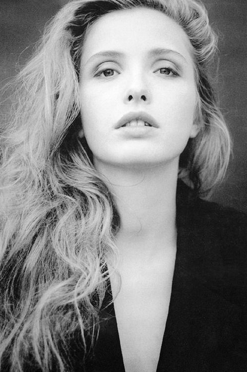 Julie Delpy photographed by Lyu Hanabusa, 1996. @thecoveteur