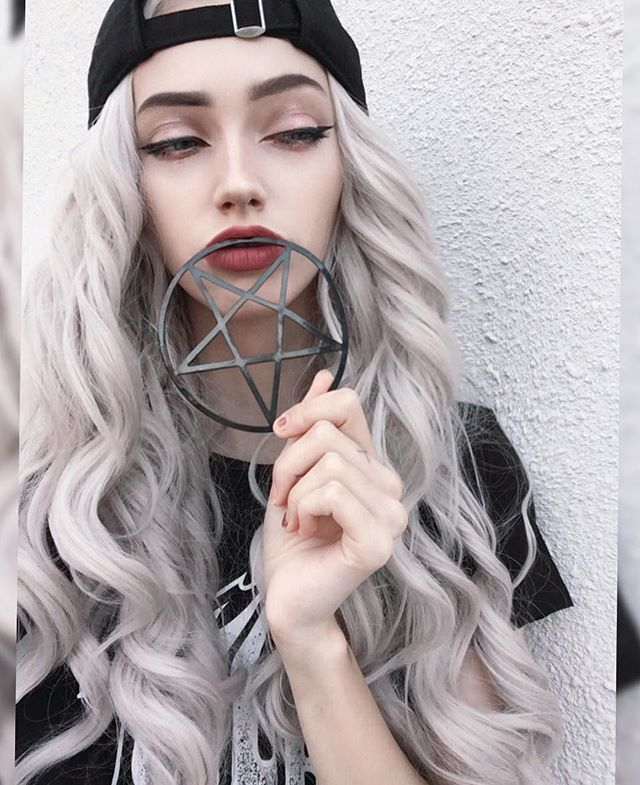 Beautiful ❤ ((Model is @sarahmariekardax on instagram))