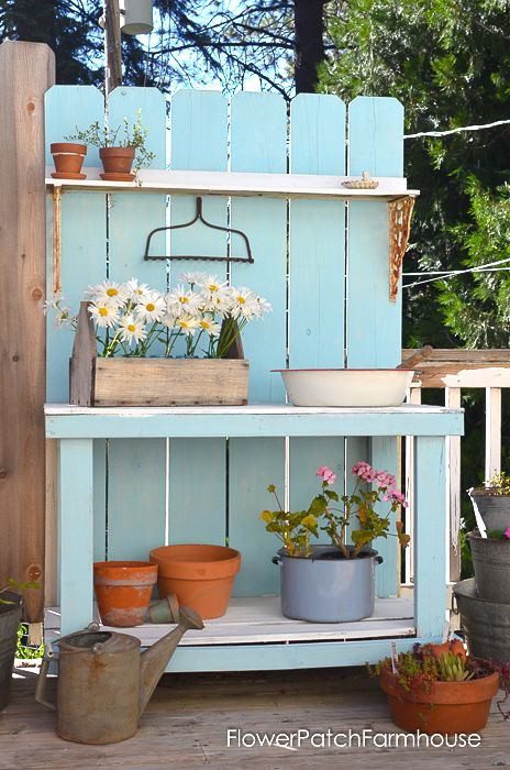 Rustic potting bench, by Flower Patch Farmhouse, featured on Funky Junk…