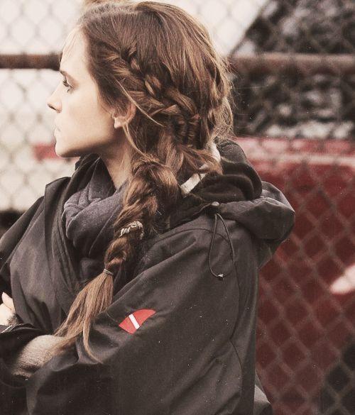 She looks like Katniss!!! -V