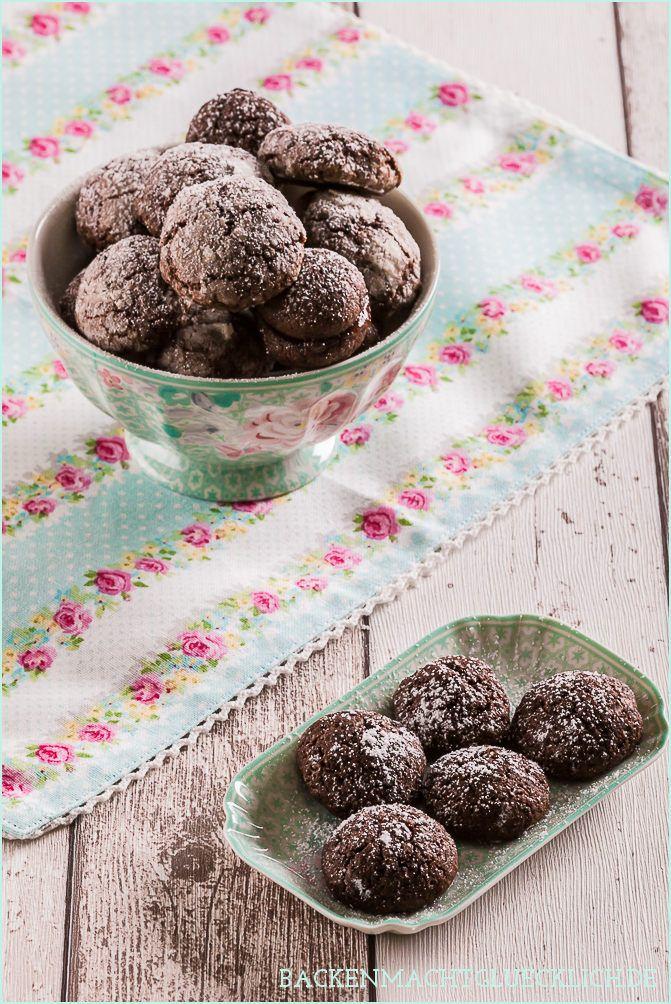 Einfache Schokoladenkekse mit Aprikosenfüllung | http://www.backenmachtgluecklich.de
