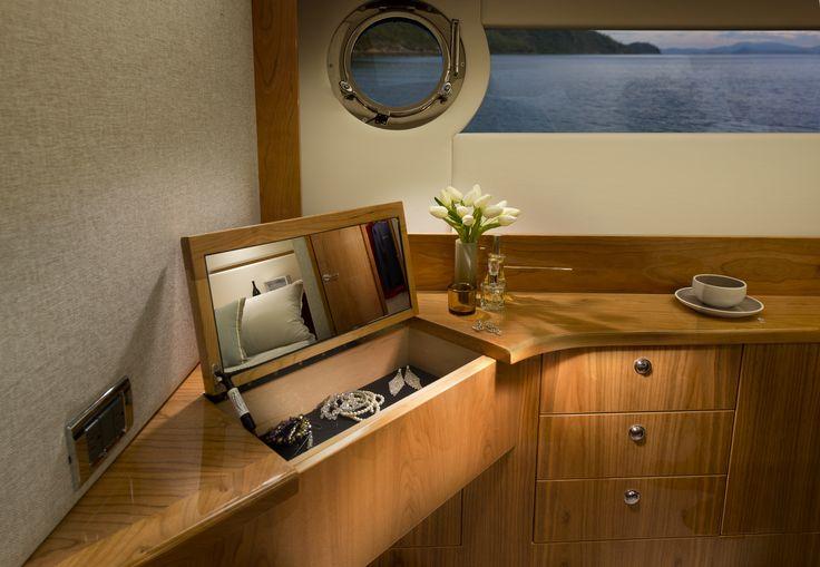 Riviera 565 SUV Master Stateroom Vanity
