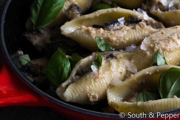 Pastaschelpen met aubergine en crème van artisjok #pasta #pastaschelpen #italiaansekeuken #artisjok #lekker #recept