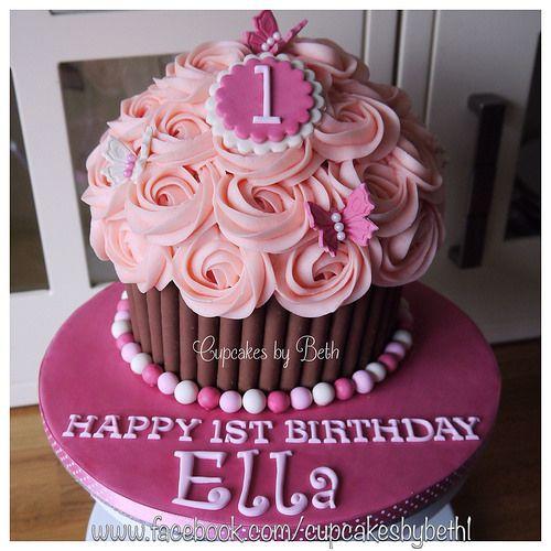 Gâteau 1 an fille cupcake géant et roses