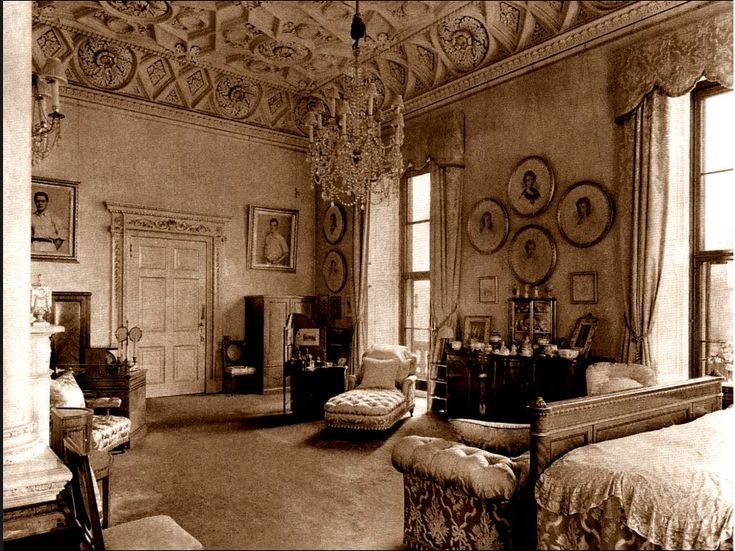 English Queen Anne Architecture