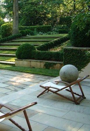 Turf Steps connect Garden & Pool - Howard Design Studio