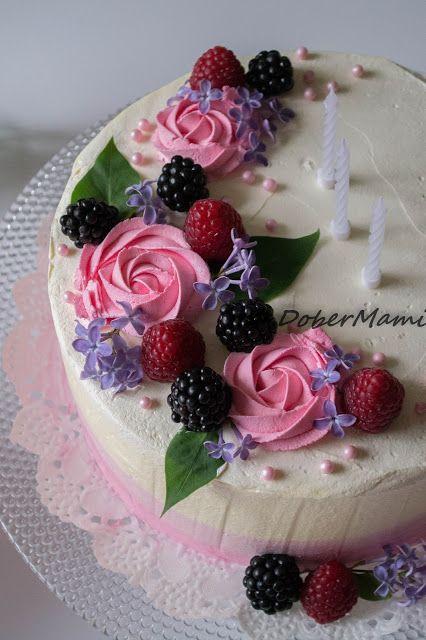 Baking / Leipominen / Täytekakku / Cake / Berries / Frosting / Whipped cream / Kermavaahtokuorrute / Rainbow