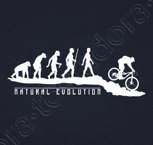 Camiseta Natural Evolution MTB. - nº 983878 - Hombre, manga corta, azul marino, calidad extra. Para algunos es simplemente un deporte, para otros, es la razón de la evolución humana ;)