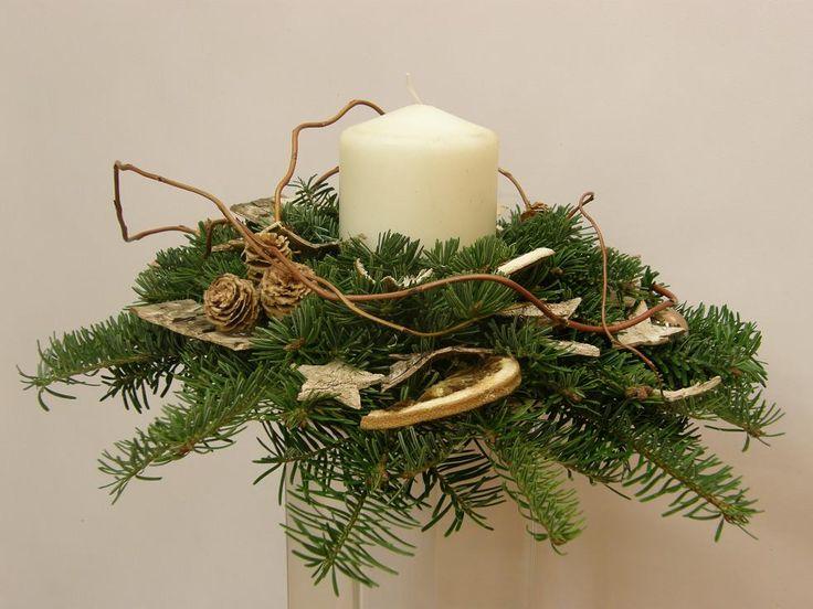 Kwiatowe dekoracje na świąteczny stół - Google Search