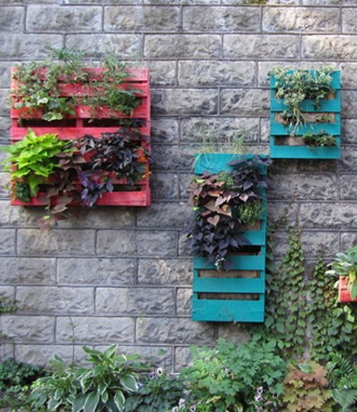 64 Creative Ways To Recycle A Pallet_01.....now all I need are bazillions of pallets! Amazing.