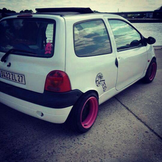 Renault twingo hellaflush