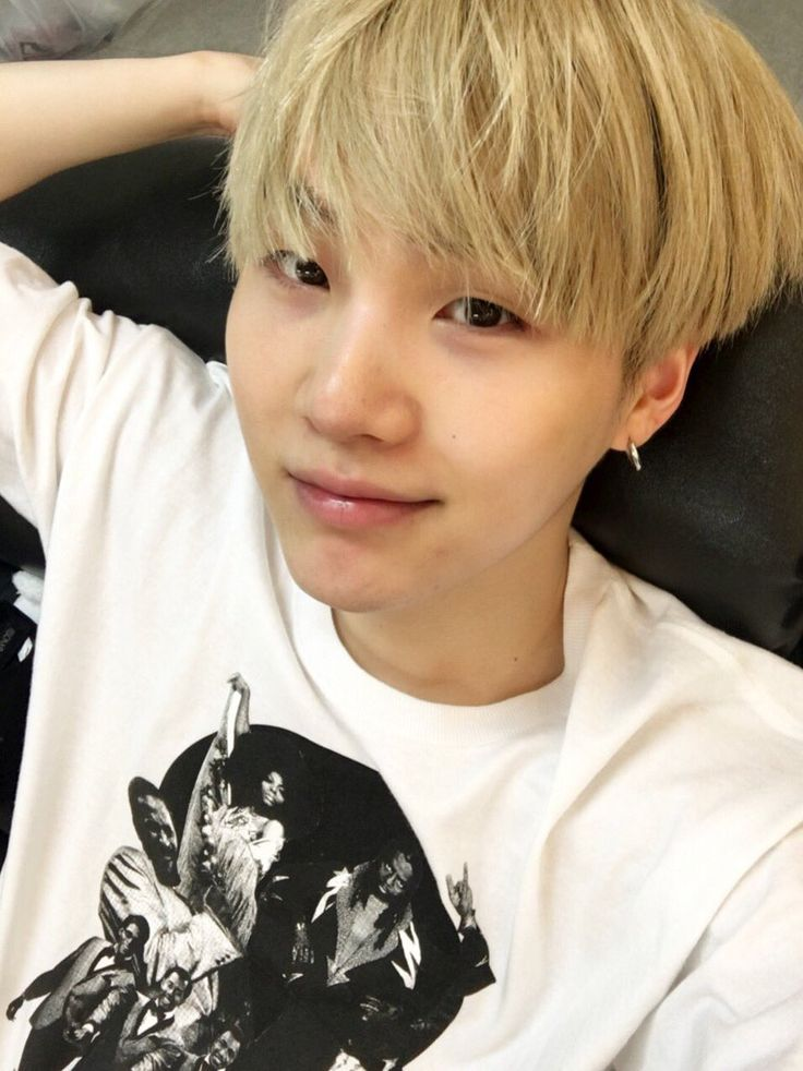 Suga ❤ [Bangtan Tweet] thx osaka!! (OMG hes barefaced!!! And he typed in english.. kill me) #BTS #방탄소년단