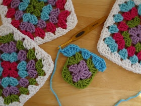 Fiber Flux...Adventures in Stitching: How to Make A Granny Square