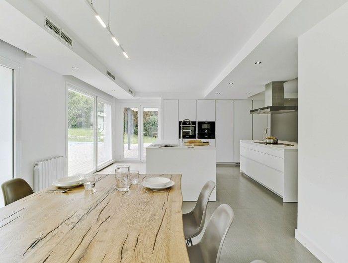 Diese minimalistische Küche im Stadtteil Salamanca von ...