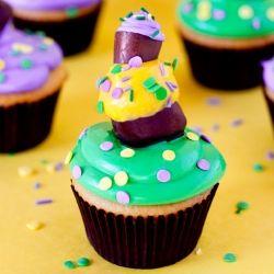Topsy Turvy triple decker Mardi Gras Cupcakes recipe and tutorial...a treat as wild as Mardi Gras itself!