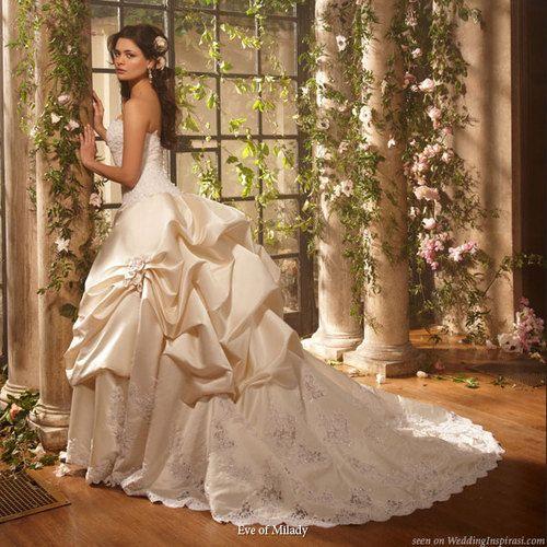 Wedding Dress Bustle: Best 25+ Wedding Dress Bustle Ideas On Pinterest