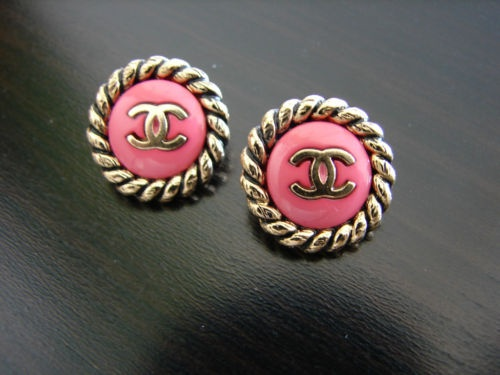 love these!: Coco Chanel, Chanel Earrings, Chanel Studs, Vintage Pink, Accessor, Vintagechanel, Buttons Earrings, Cocochanel, Vintage Chanel