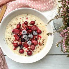 Dieses schnelle Vanille-Porridge ist das beste und schnellste Frühstück, das es gibt. Es ist gesund, lecker und hält lange satt.