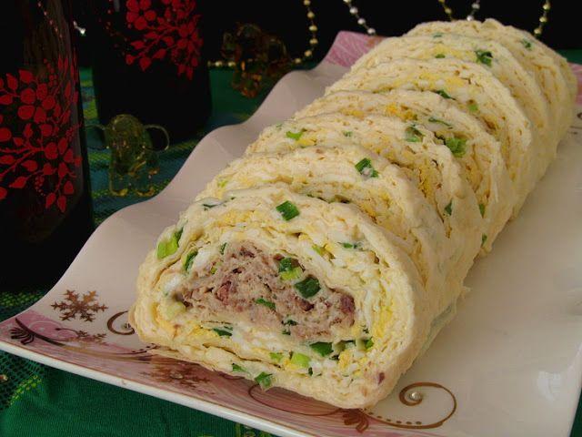 Ингредиенты 3 листа тонкого лаваша 1 банка сардины в масле 4 яйца (сваренных вкрутую) 200 гр. сыра (твердого или плавленного) любимая зелень по вкусу (у меня зеленый лук)...