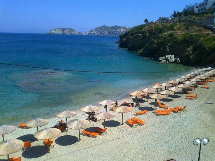 Mononaftis beach in Agia Pelagia
