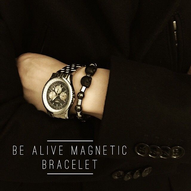 Keeping winter aches away and staying warm Be Alive Magnetic Bracelet with Brietling watch and J Lindeberg Gavin coat #michellectom #lovemagnets #magneticjewelry #magneticbracelet #painrelief #brietlingwatch #jlindeberg#mensjewelry #healingjewelry